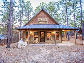A Thousand Stars-Cabin Appeal, Nice Master, Pool Table,Fire Pit, Tub, Outdoor TV