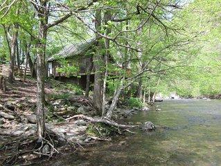 Mountain Riverside Cabin
