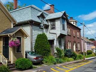 Booking for Shellfish Fest! Heritage Charlottetown 3-bdrm with garden/parking!
