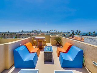 Air Conditioned +Roof Deck w/ Fire pit, Bikes, Boogie Boards, Private Beach Home
