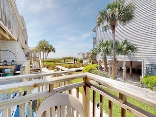 Pet Friendly, 2 BR/2.5 BA, Sleeps 6, Free WiFi in '300 Ocean Mile E-3'