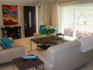 Casa Justine - Upscale Winter Park Home \ Elegant Living Room, Great Pool
