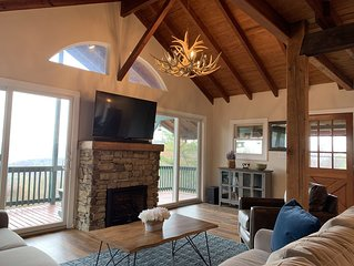 Renovated Mountaintop Cabin With Stunning Panoramic Views near Luray