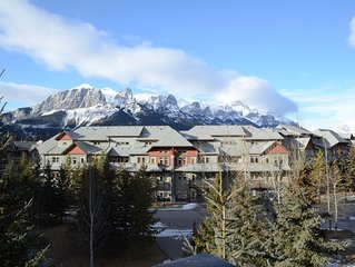 Exquisite 2 Bdrm & 2 Bath Luxury Condo with Mountain Views