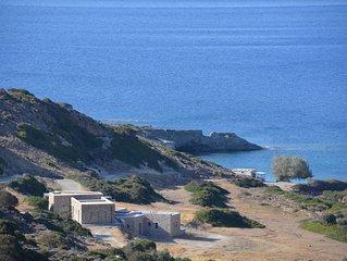 Très belle villa 5 chambres, isolée dans une petite vallée en bord de mer