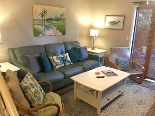 2BR TH w/4 QUEEN BEDS No Deposit&Low Fees Half a mile to beach! 1 mi to Village!