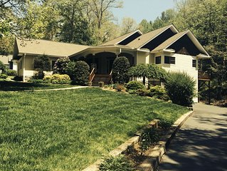 Apt. in Executive Home Near Lake Junaluska in Waynesville, Nc in the Smoky Mtns