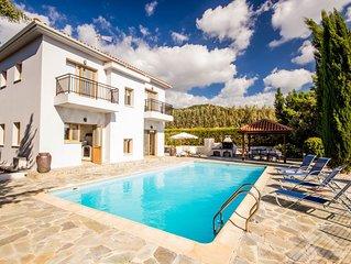 PRIVATE 3 bed 3 bath Villa in  Argaka  Polis/latchi  wifi WINTER OFFERS