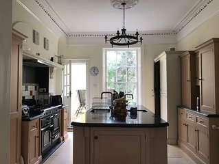 Beautiful 5 Bedroom Regency Grade II Listed Townhouse with original features