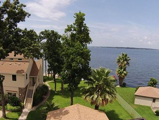 3915 Brookhaven Dr - Beautiful Water Front Home on Lake Conroe