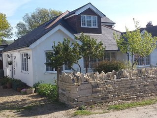 Attractive Five Bedroom Detatched House Set In The Heart Of The Isle Of Purbeck.