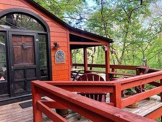 Treetop hideaway, Relaxing, Small towns, Dining, Hiking, Biking, Water sports,