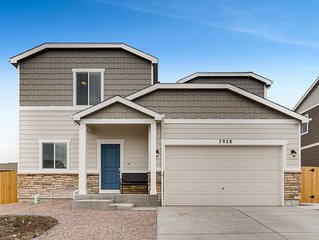 ★Awesome New Home★Great Neighborhood★Near Food & Fun★Designed w/ You in Mind★