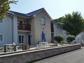 Updated 2 BR Pool View Condo Located 3 minutes From Downtown Put-in-Bay Ohio