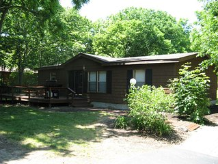 Great 3 BR 2 BA Home close by the Pool in Put-in-Bay's Renowned Island Club