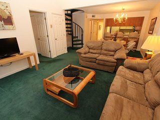 three bedroom condo with loft, sleeps 11