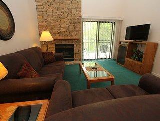 three bedroom condo with loft, sleeps 11