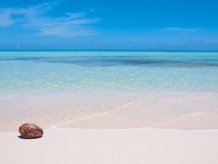 Luxury 4 Bedroom Villa on Seven Mile Beach - Resort Access