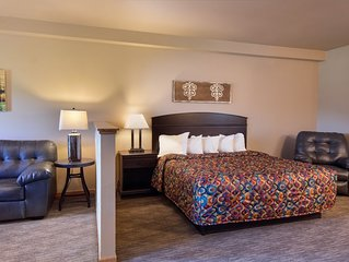 Spacious Hotel Rooms Located * Spring Brook Resort | Stunning View of Golf Cours