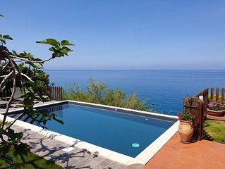 'Piccolo paradiso' villa con piscina e giardino
