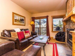 2-Bedroom Condo, Spacious Private Balcony with Views, Short Walk to Gondola