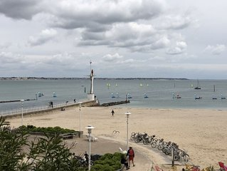 Appartement face à la mer, plage du Nau