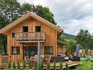 Detached luxury chalet, Finnish sauna and outdoor jacuzzi below the Kreischberg