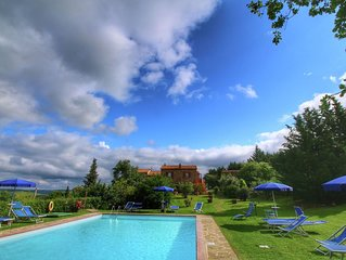 Chaming Farmhouse in Tuscany with Swimming  Pool
