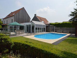 Beautiful villa for groups with swimming pool, sauna and free WiFi