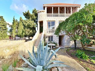 Apartments Lino, (14534), Sumartin, island of Brac, Croatia