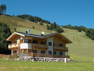 Spacious directly on the slopes and near the center apartment