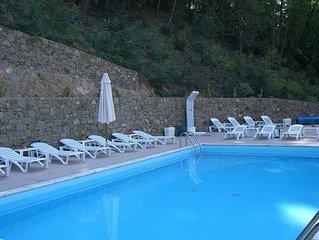 Villa Floriana B: Un elegante ed accogliente appartamento circondato da uno sple