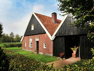 House in former 'bakspieker' in rural location near Enschede