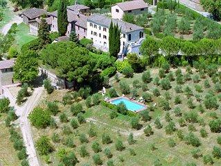 Villa with pool in beautiful Tuscan countryside