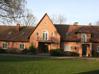 A spacious, six-person holiday home surrounded by extensive farmlands.