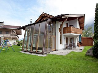 Detached chalet with lots of privacy, directly next to the ski lift