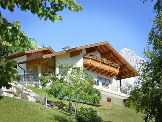 Very well kept apartment in Filzmoos with stunning views of the Dachstein