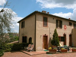 Spacious holiday home for five people in the old 17th-century casa colonica