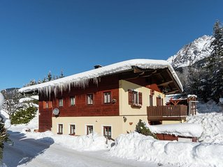 Detached holiday home with lots of privacy, close to the skiing area.