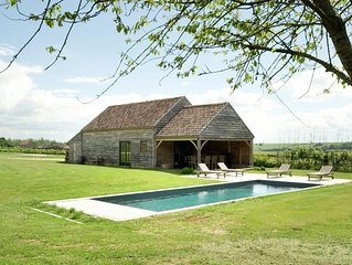 Luxurious holiday home on a wonderful property with swimming pool and poolhouse