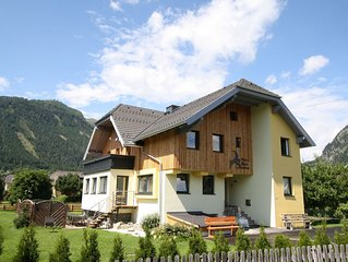 Beautiful and very spacious detached house with sauna on a large property.