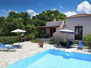 Holiday Villa, luxe, private pool, privacy and seaview, NW coast, near Rethymnon