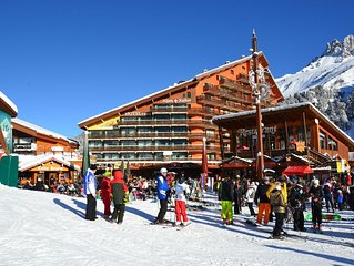 Two bedroom apartment situated on the slopes and close to shops in Meribel-Motta