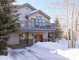 Private Home - 3 BR, Sleeps 10 - Walk to Steamboat Ski Area - Professionally Ma