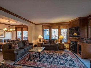Luxurious condo next to the lifts, 2 master bedrooms, free wifi, & parking.