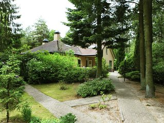 Villa at the edge of the Veluwe on a forested property, 8000 m2.