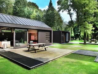 Two comfortably furnished holiday homes with sauna in the countryside around th