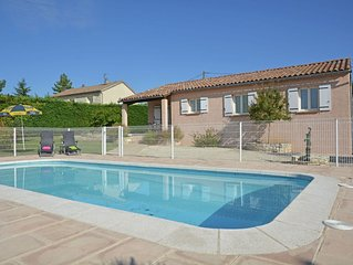 Detached villa with swimming pool situated in quiet ideal for family holidays