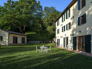 Spacious Holiday Home in Piancastagnaio with Fenced Garden