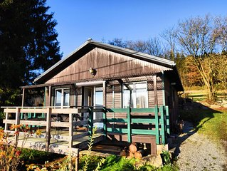 Cosy, from the inside completely modernised chalet with garden and large veranda